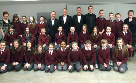 School choir with the three tenors